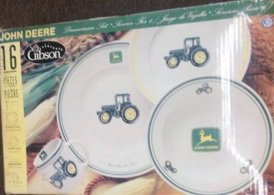 John Deere 16 Pc Dinner ware Dish set