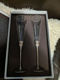 Vera Wand With Love toasting flutes
