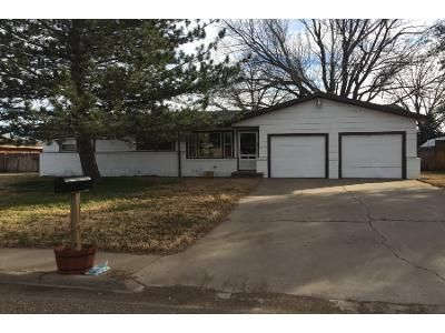 3 Bed 2 Bath Foreclosure Property in Dimmitt, TX 79027 - W Cleveland St