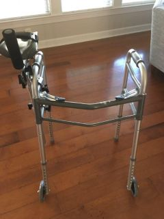 Youth Walker w/removable right arm support