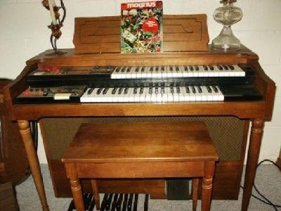 $450 OBO Story & Clark Electric Organ