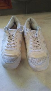 """Cheer"" Shoes - Size 3"