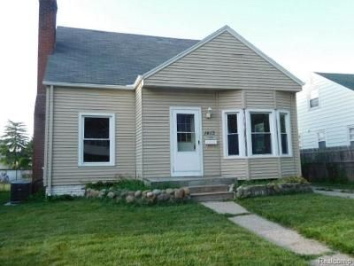 3 Bed 2 Bath Foreclosure Property in Port Huron, MI 48060 - Union St