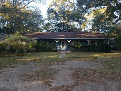 4 Bed 2 Bath Foreclosure Property in Ocean Springs, MS 39565 - Breland Rd
