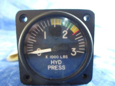 Sell Swearingen Hydraulic Pressure Indicator P/N: 27-87007-5, 2930-3001-04 (3582) motorcycle in Melbourne, Florida, United States