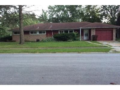 3 Bed 1.5 Bath Foreclosure Property in Park Forest, IL 60466 - Waverly St