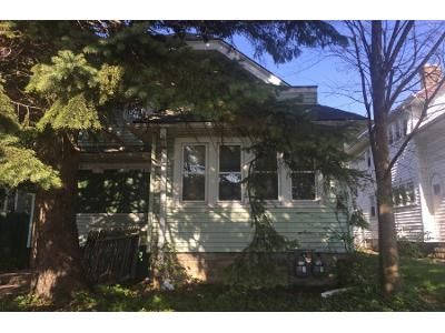 3 Bed 2 Bath Preforeclosure Property in Milwaukee, WI 53209 - N 27th St