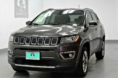 2017 Jeep Compass Limited (granite crystal metallic clearcoat)