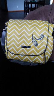 Petunia pickle bottom diaper bag. Good condition. Doubles as a back pack