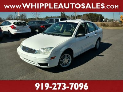 2007 Ford Focus ZX4 S (White)