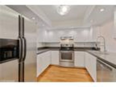 Downtown/East of US 1 Townhome-2/2.5 BA Pets R Good $2,200 MO. *** See Rem...