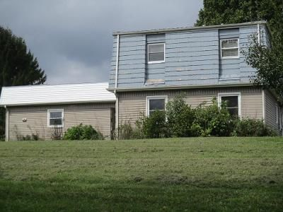3 Bed 2 Bath Foreclosure Property in Chilhowie, VA 24319 - Crown Cir