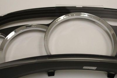 Sell USED ESCALADE PLATINUM DASH CLUSTER CLEAR GLASS LENS *****DEFECTIVE CHROME****** motorcycle in Putnam, Connecticut, US, for US $68.00