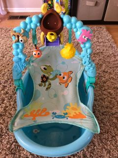Finding Nemo Infant/Toddler bathtub