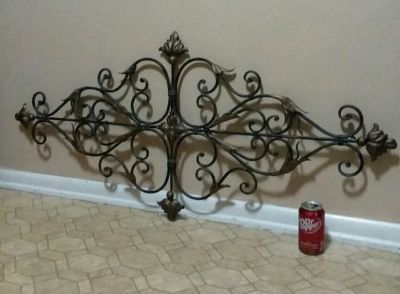 METAL/WROUGHT IRON/ WALL DECOR.......EXCELLENT CONDITION