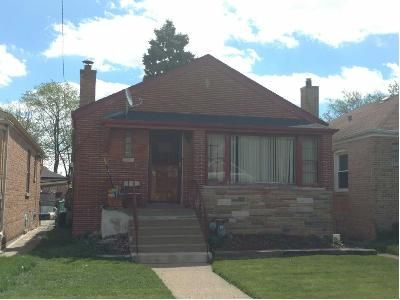 2 Bed 1 Bath Preforeclosure Property in Riverdale, IL 60827 - S Wallace Ave