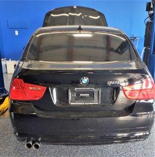 2011 BMW MDX 328i xDrive (Black)