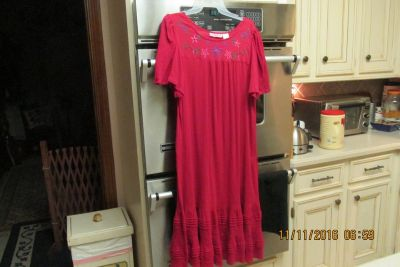 Women's Embroidered Lounge Dress - Size Medium - Gently Used