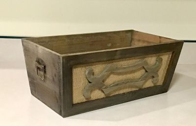 DECORATIVE WOODEN BOX WITH HINGES ON BOTH ENDS