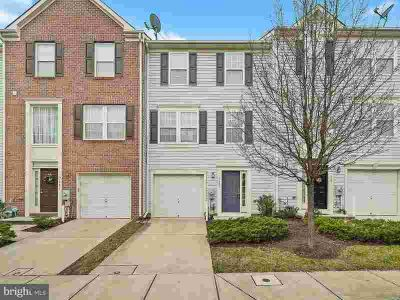 7085 Water Oak Rd #72 Elkridge Three BR, Well cared for townhome