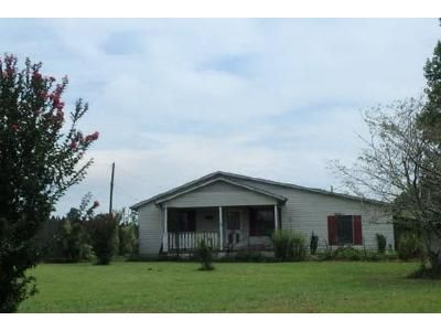 3 Bed 2 Bath Foreclosure Property in Hanceville, AL 35077 - County Road 601