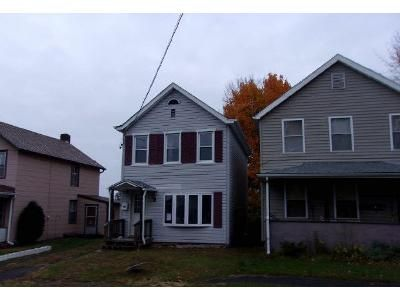 2 Bed 1.5 Bath Foreclosure Property in Kingston, NY 12401 - Gage St