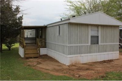 3 Bedroom, 2 Bath Mobile Home