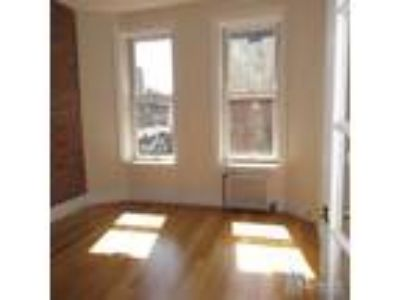 Beautiful Real 0ne Bed Apartment in Prime West Village -