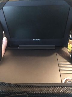 Like new PHILLIPS PORTABLE DVD PLAYER w/case!