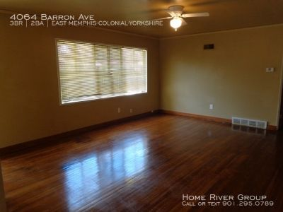 Charming 3 Bedroom Home in Memphis! HW Floors!