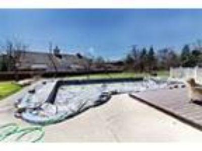Farmington Hills cape cod home - RealBiz360 Virtual Tour