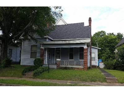 2.0 Bath Preforeclosure Property in Little Rock, AR 72206 - S Chester St