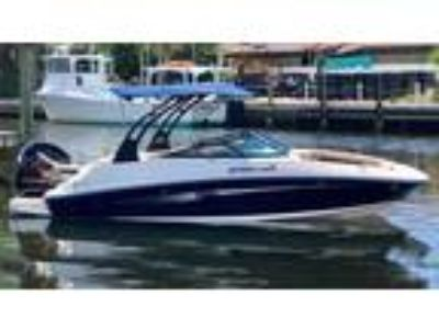 22' Sea Ray 220 SDX Outboard 2017