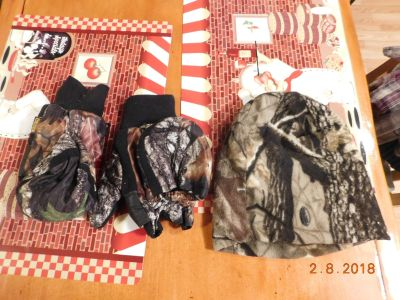 Hunting Hat and Gloves Hat Is Remington One Size