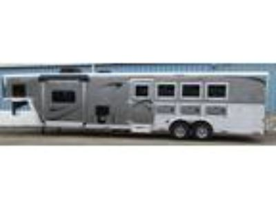 2019 Merhow 8414 W/Rear Kitchen 4 horses