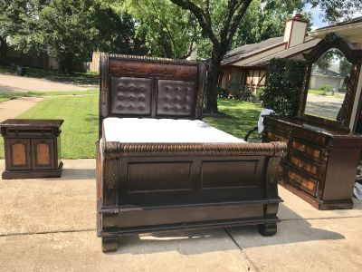 SOLID WOOD QUEEN SIZE BEDROOM SET WITH MATTRESS AND BOX SPRING
