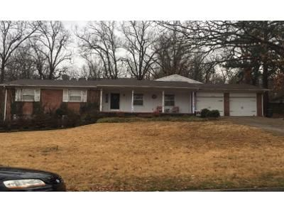 2 Bed 2 Bath Preforeclosure Property in Fayetteville, AR 72701 - E Hope St