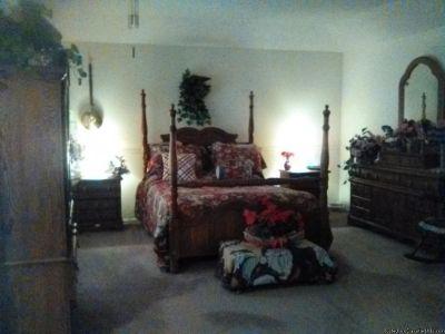 Singer Custom four piece bedroom set For Sale