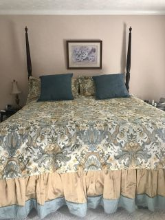 Bassett King bedroom suite with bedding and curtains