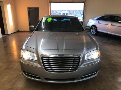 2014 Chrysler 300 4dr Sdn Touring RWD