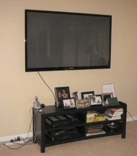 "SAMSUNG 64"" PLASMA DISPLAY / TV + Wall Mounting Bracket"