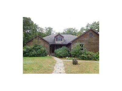 4 Bed 2 Bath Foreclosure Property in Middleboro, MA 02346 - Highland St