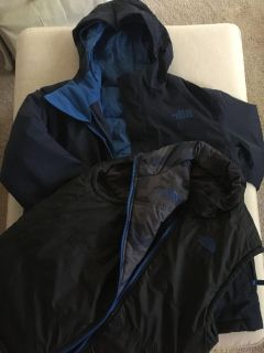 EUC! Almost new. Boy s Northface size 10/12 3 in one jacket. Warm and dry. Worn 1/2 a season