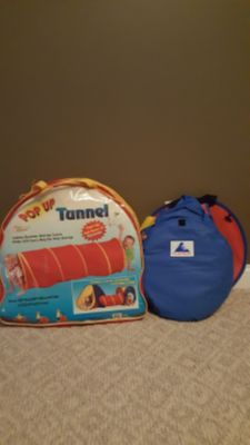 Pop up tunnel and tent