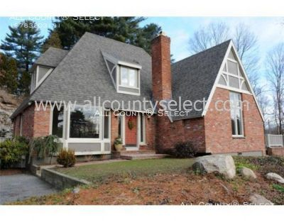 Spectacular 3 Bed English Tudor Single Family in Beverly Cove *Available 7/1*