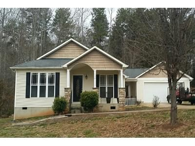 3 Bed 2 Bath Preforeclosure Property in Statesville, NC 28677 - Winding Cedar Dr