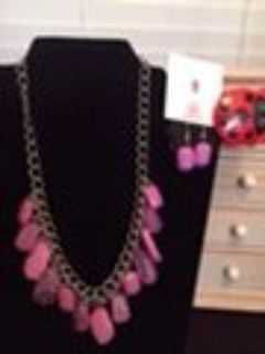 Beautiful New Paparazzi Jewelry Necklace Set