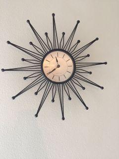 18 Statburst wall clock