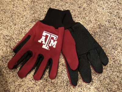 Texas A&M Aggies Gloves. Has Grip On The Other Side. Soft Inside - BRAND NEW!