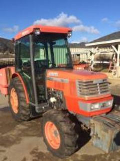 2004 Kubota Narrow M8200